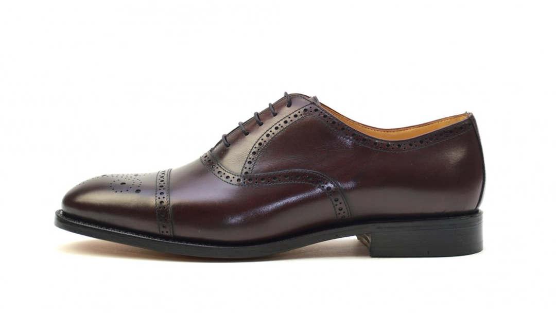 e9c5a8b87da1ff Rahmengenähter Herrenschuh Modell Tobias von Ambiorix. Ein klassischer  Schnür-Schuh für den Gentleman von